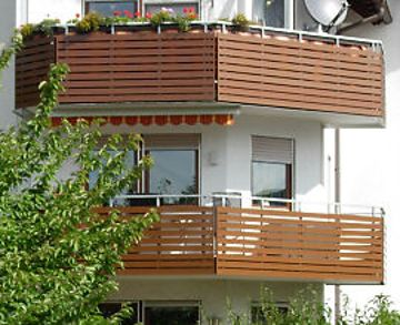 Balkone an größeren Objekten