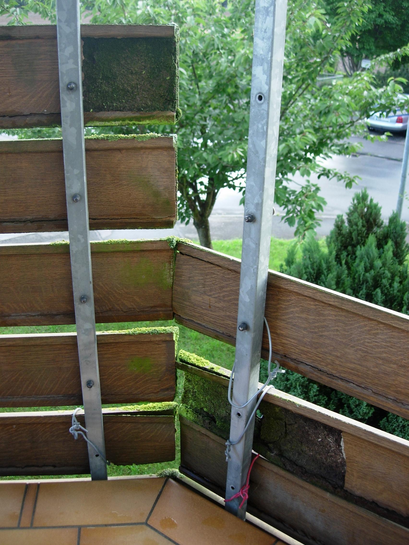 Alte verfaulte Balkonbretter